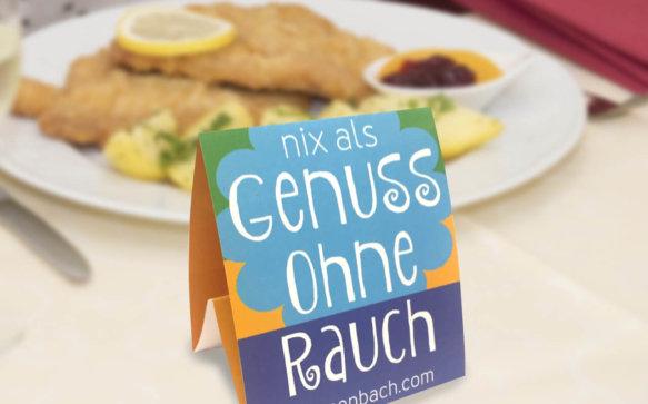 Vorbildlich: Gratis #nixalsrauchfrei Tischaufsteller und Kleber